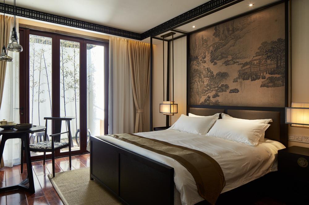 新中式禅意带浴缸庭院大床房