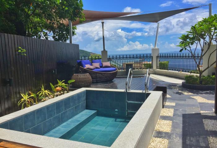红珊瑚乐享度假别墅+小泳池平台区域