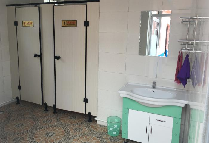烟台乾和顺客栈+公共厕所
